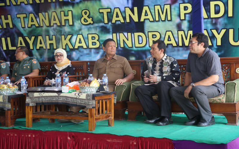 Membahas Pertanian Dengan Pemerintah Kabupaten Indramayu